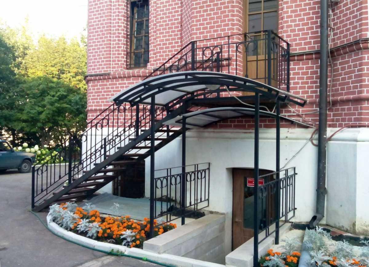 Навесы, лестницы, каркасы для ворот